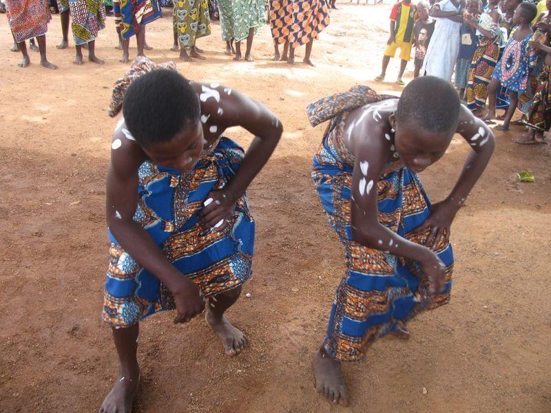 danse - fete d'arrivée à Kambolé