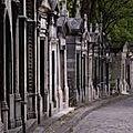 Autel des morts,villa des vivants. les références. mettre les morts en scène. (2)