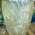 C Vase en verre épaix