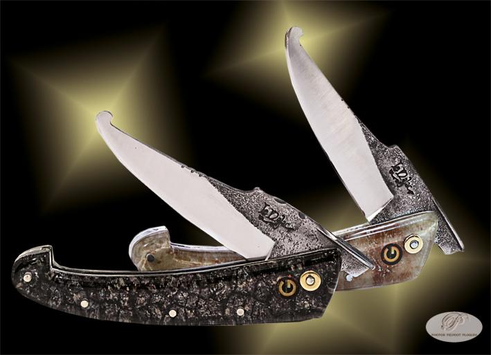 NAJAC_Regis_couteaux_de_paix_avec_manches_fond_truffe_noire_-et_blanche_avec_logo_Gourmandise