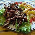 Canard laqué et légumes en salade