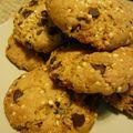 Cookies pépites de chocolat, quinoa soufflé et éclats de noix de macadamia caramélisées