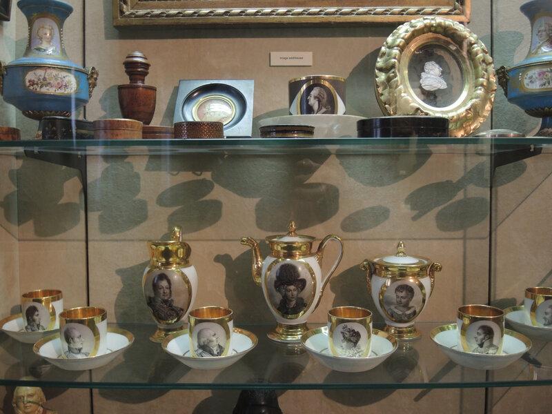 Bordeaux, musée des Arts Déco, service porcelaine (33)