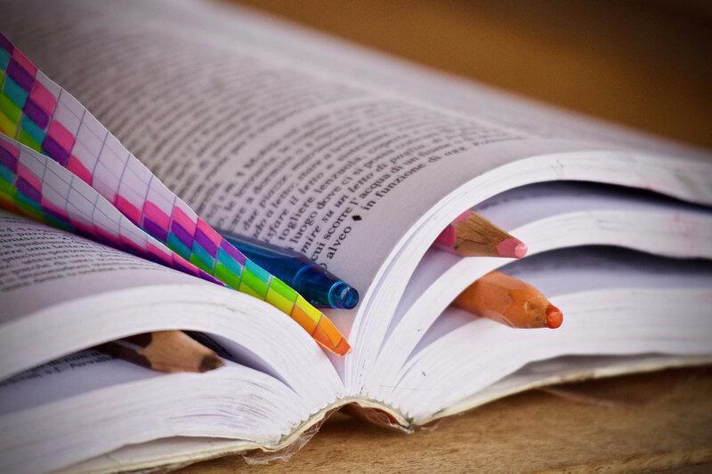 books-3826148_1920