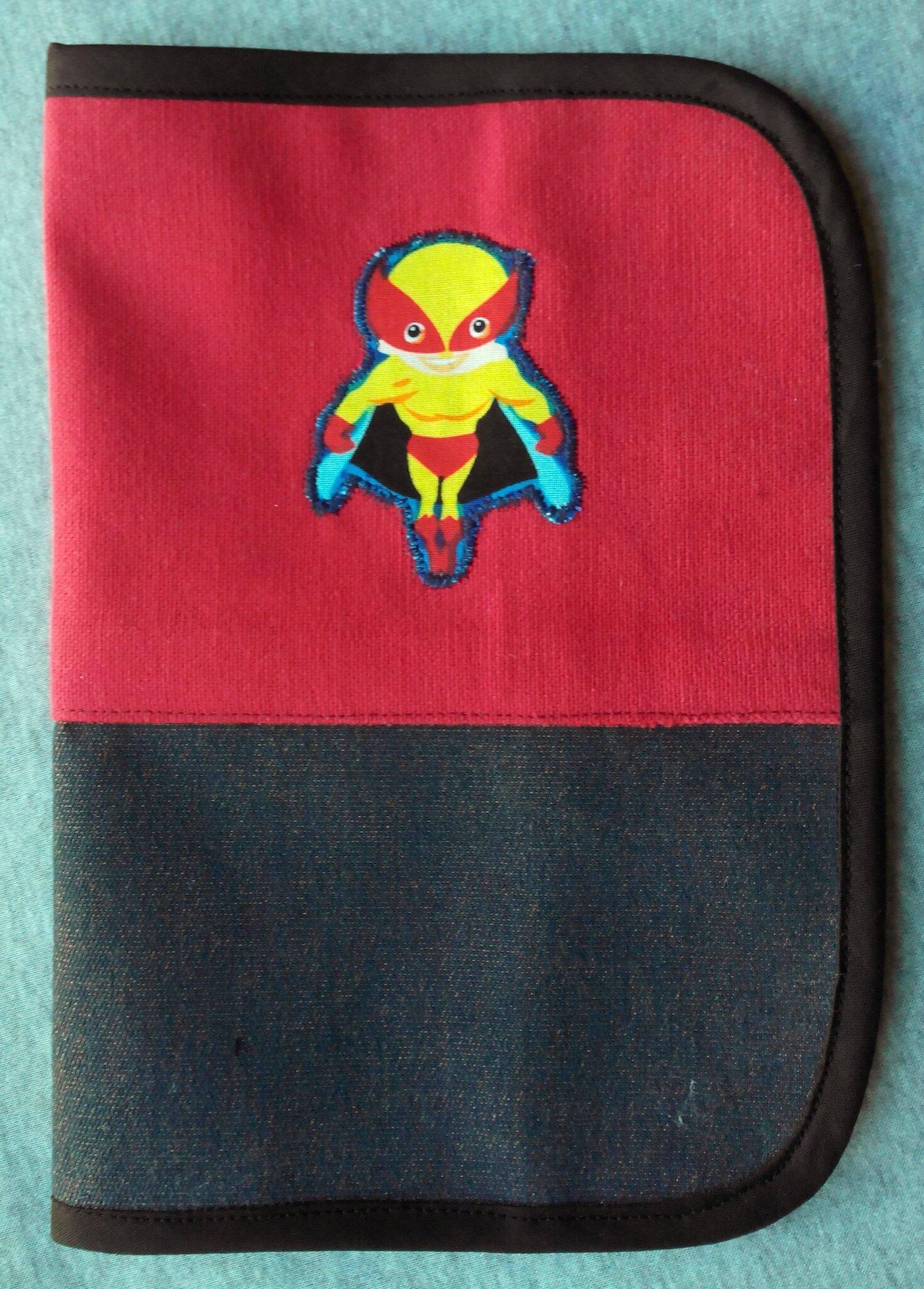 Protège carnet de santé Super Héros