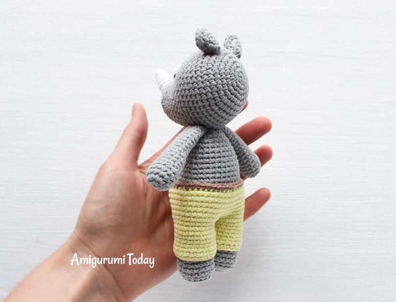 Free-Cuddle-Me-Rhino-amigurumi-pattern