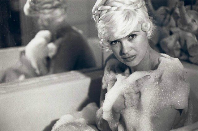 jayne-1960-portrait-bath-1-2