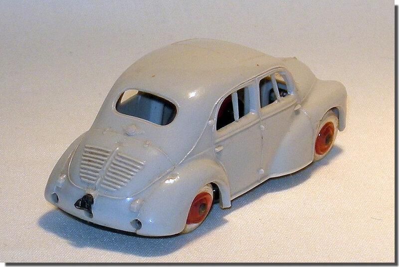 Renault 4cv Norev B 2