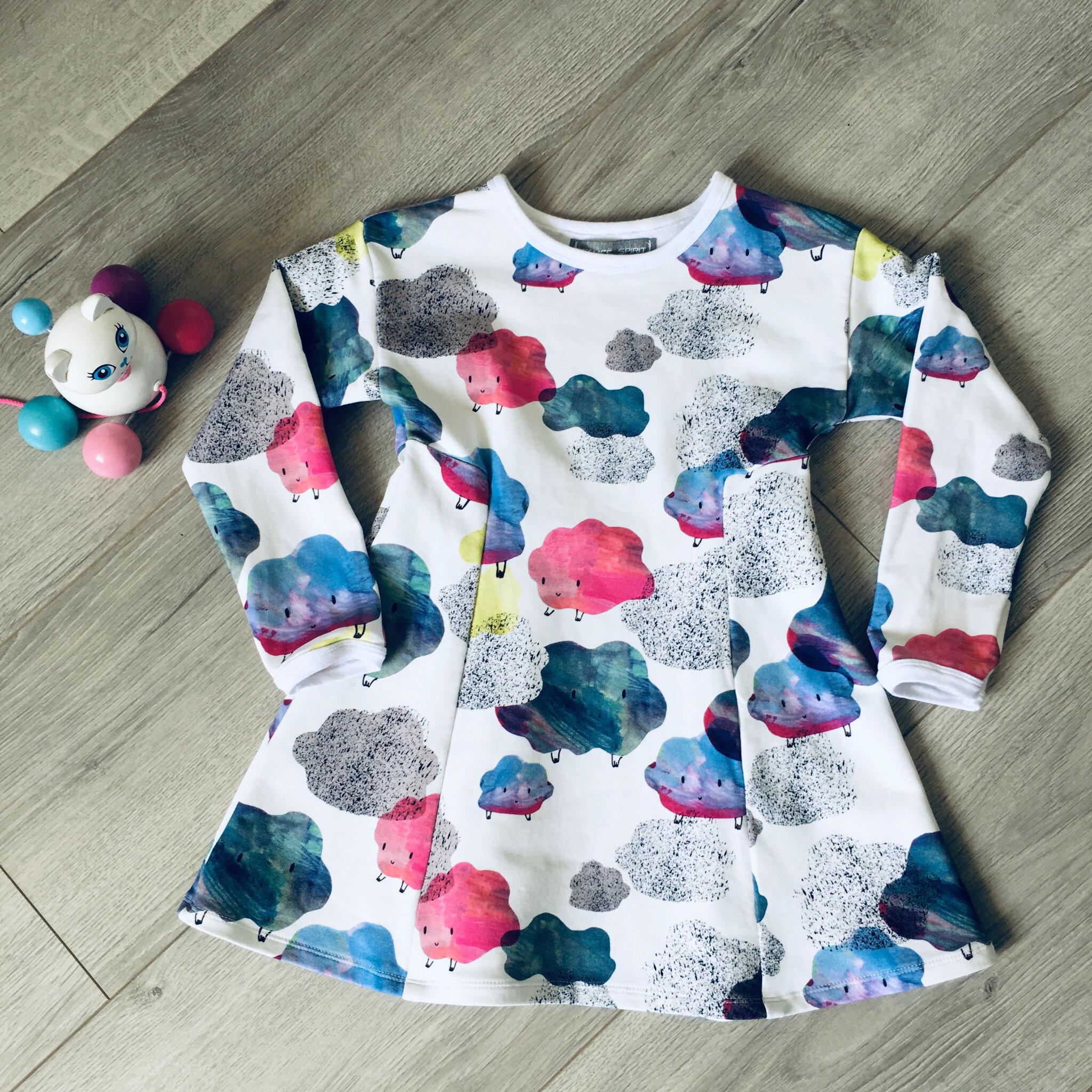 Une première petite robe pour Camille