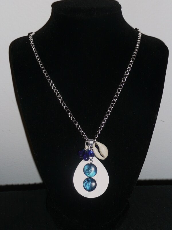 Collier Shell Blue
