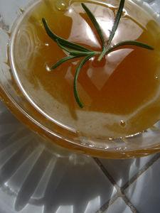 confiture abricots au miel et romarin