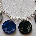 Bracelet personnalisé (détails des prénoms gravés)