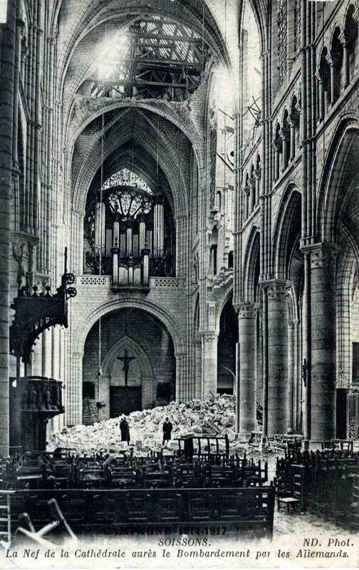 1480585514-02-Soissons-cathedrale-nef-apre-s-bombardement