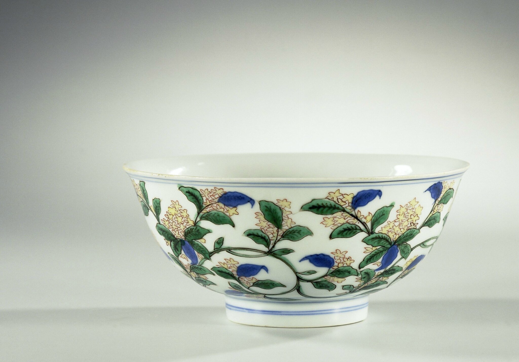 Bowl with flower branches, Wanli mark and period, c