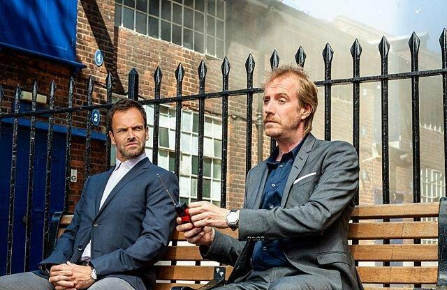 Elementary, Sherlock et Mycroft