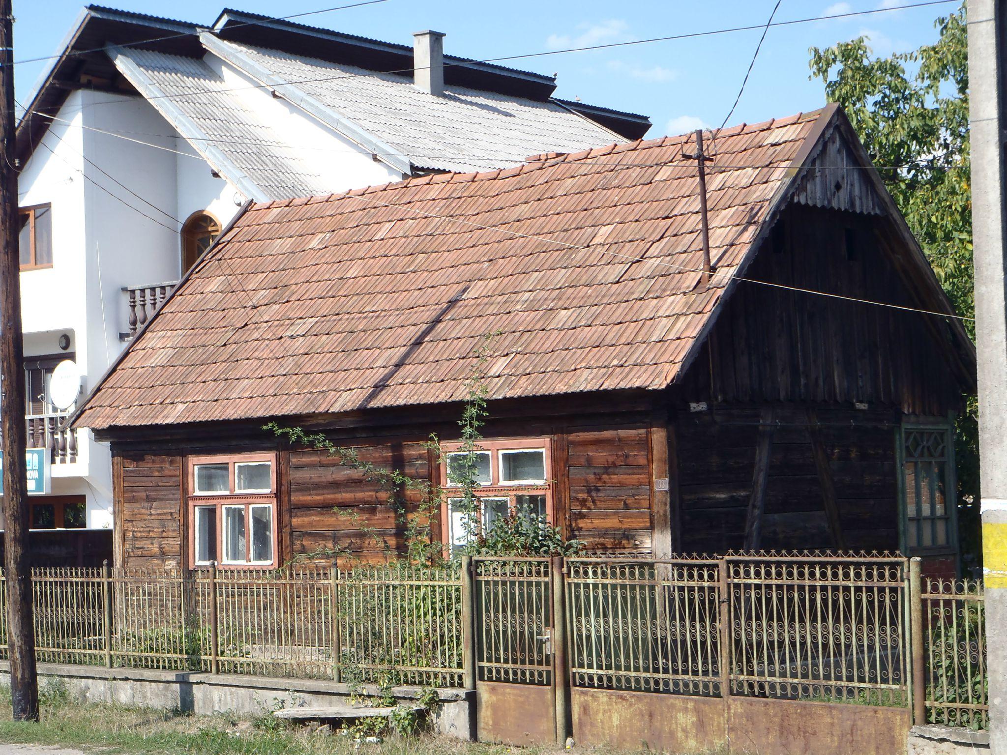 roumanie - maison de bois