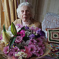 Zofija kaczan, centenaire, pardonne son meurtrier sur son lit de mort