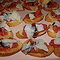 Apéritif : mini bruschetta à la tomate