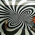 Sortie,découvertes, expériences: visite du musée des illusions...(croatie)