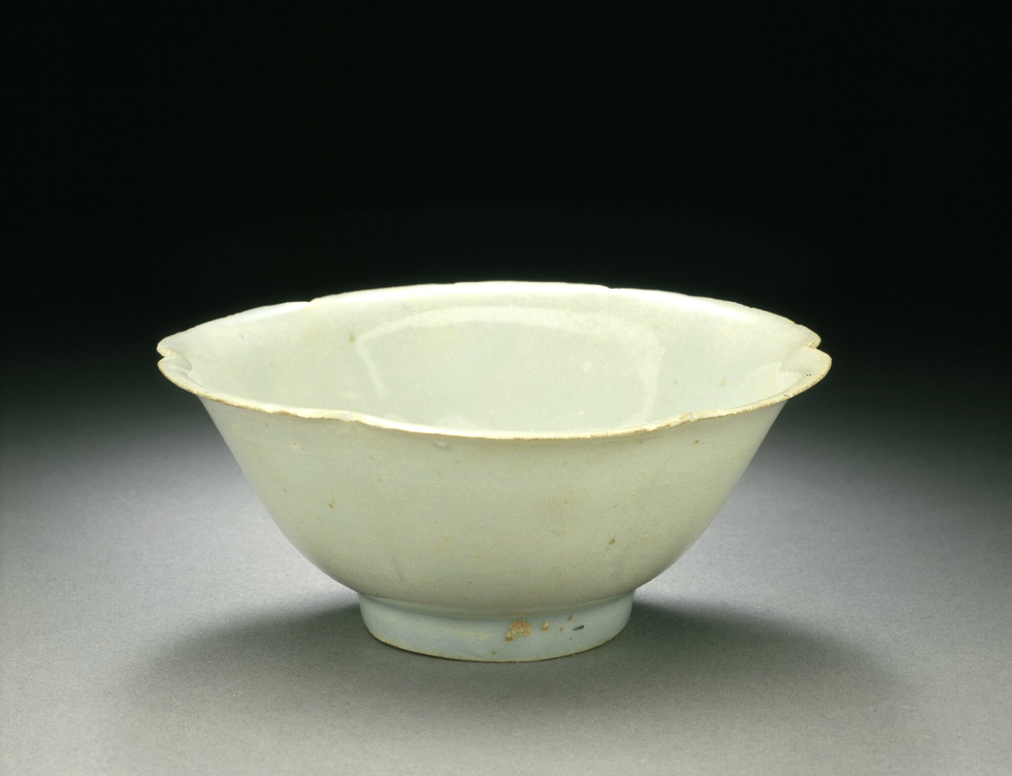 Bowl (Wan) in the Form of a Plum Blossom, late Northern Song dynasty or early Southern Song dynasty, about 1100-1200,