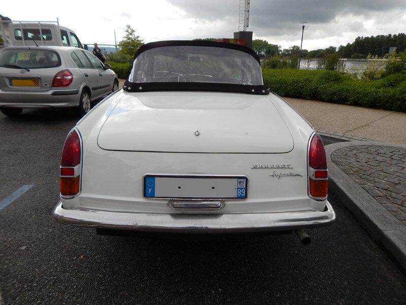 Peugeot404cabinjar