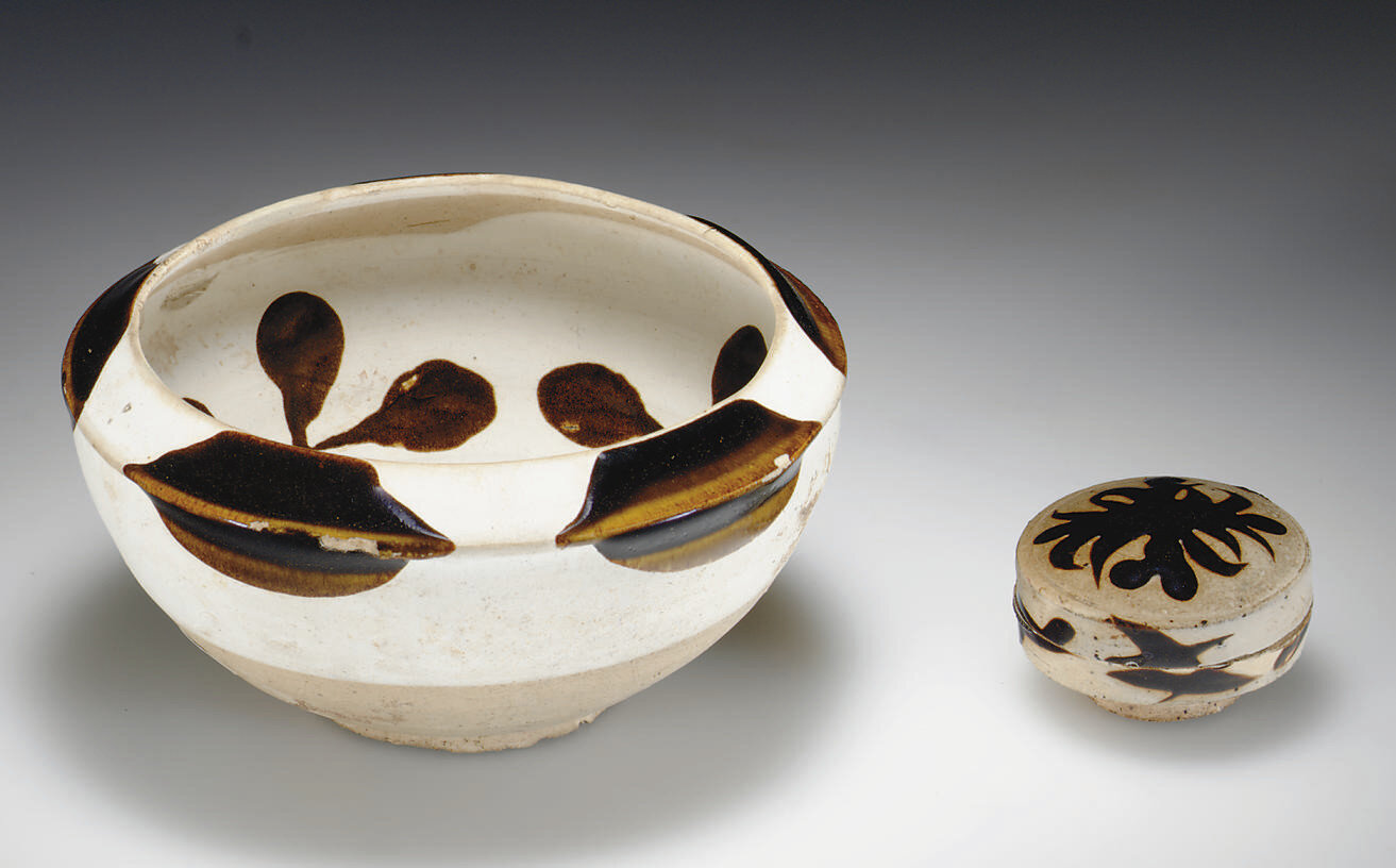 An unusual Yaozhou brown glaze and white slip-decorated stoneware bowl, Tang dynasty, 9th century