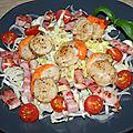 Coquilles saint jacques sur salade d'endive et lardons