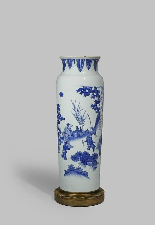 A large Chinese blue and whitre sleeve vase, Transitional period, c