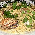 Spaghetti aux coques et amandes