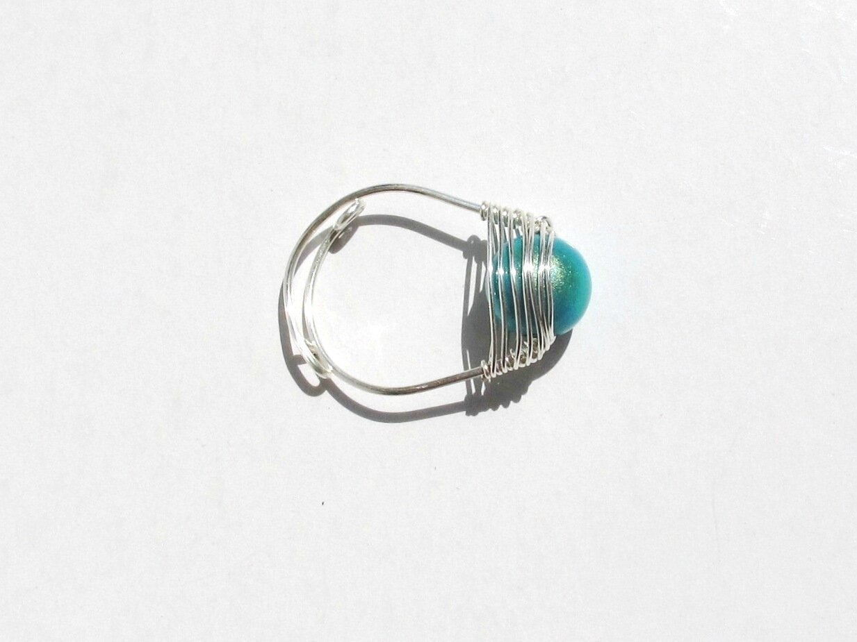 bague wire argent perle bleu dessus