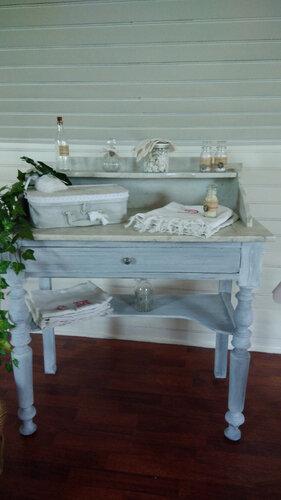 Table de toilette ancienne patinée gris