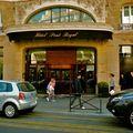 Grand hôtel parisien.