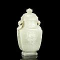 Important vase couvert en jade céladon pâle, chine, dynastie qing, époque qianlong (1736-1795)