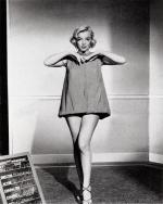 1953-03-09-HTM-test_costume-travilla-mm-020-1