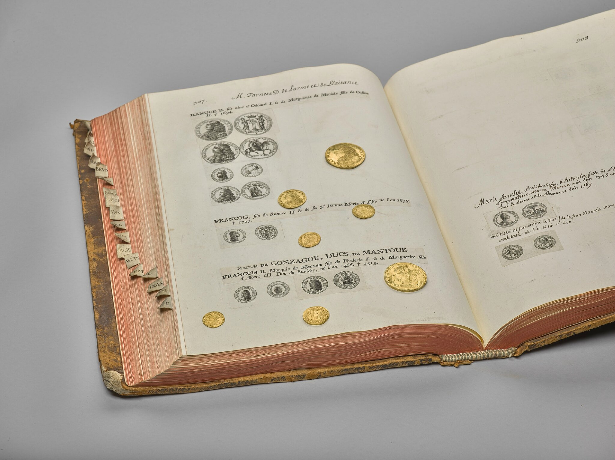 Comment Faire Des Badges Maison kunsthistorisches museum exhibits works from the emperor's