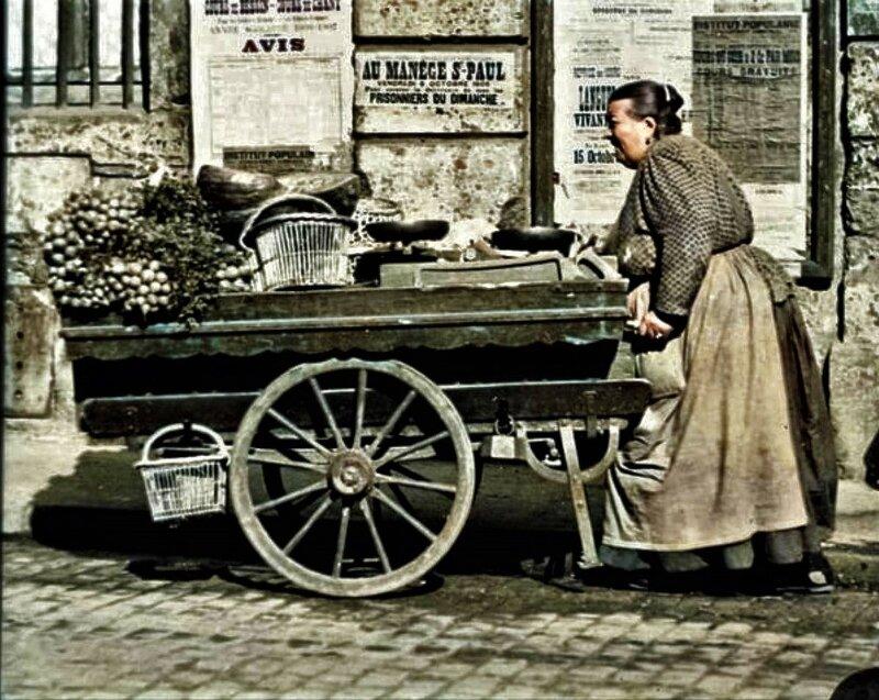 Images d'autrefois-Marchande de 4 saisons 1910
