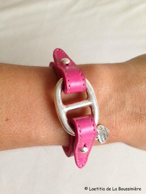 Le bracelet Grain de Café cuir fushia de Viviane