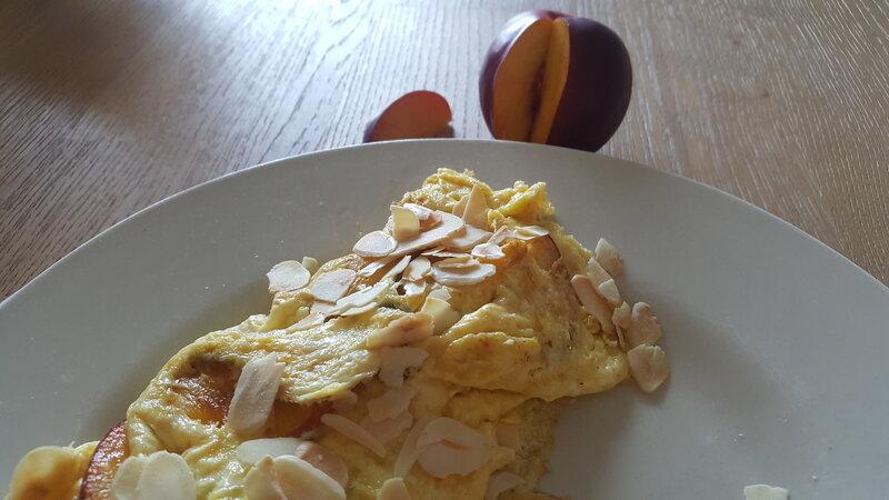 omelettenectarineamande