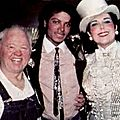 Moment captured: michael jackson rencontre mickey rooney et ann miller dans les coulisses du show sugar babies en 1984