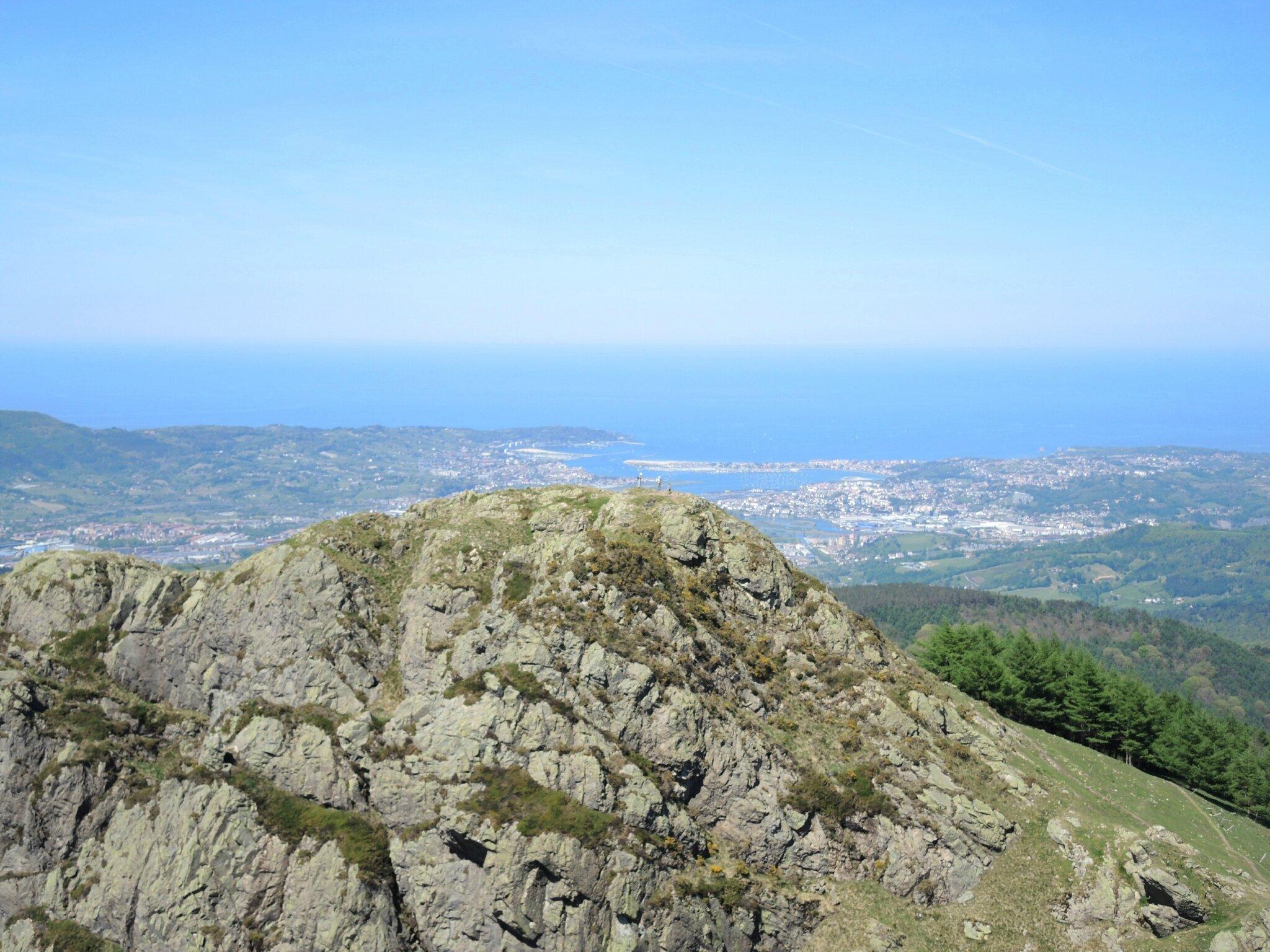 Les Trois Couronnes, Txurrumurru, sommet, vue sur Irumugarrieta, ,Hendaye, Fontarrabia (Espagne)
