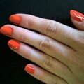 Nail art orange et blanc