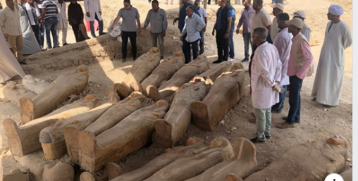 Exhumation de sarcophages en Egypte Oct