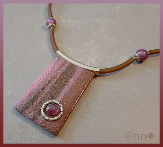 Collier rectange marron et rose (N)