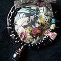 sautoir image de femme et perle grise antracite2