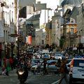 Animation rue Saint-Antoine.