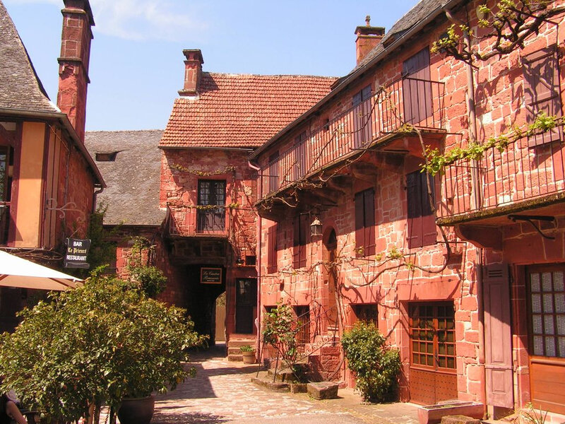 Collonges-la-Rouge_rue
