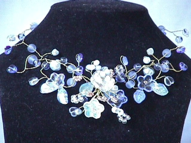 Collier Arabesque bleu ciel
