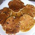 Pancakes au lait ribot, trois fromages, pignons et piment d'espelette