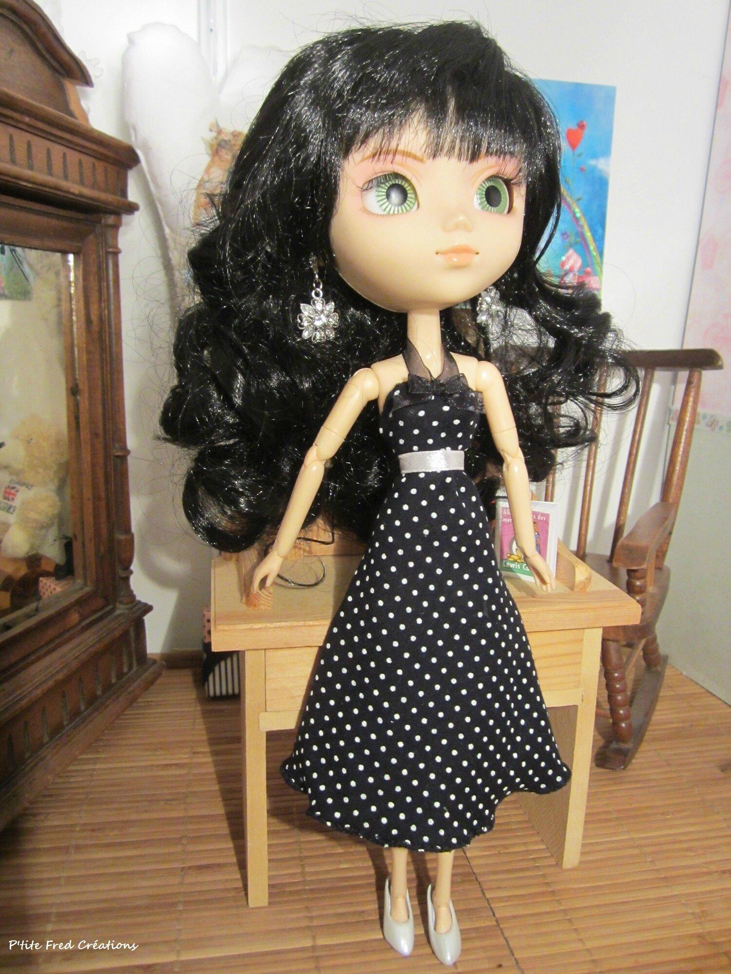 Petite robe noire pour Pullip