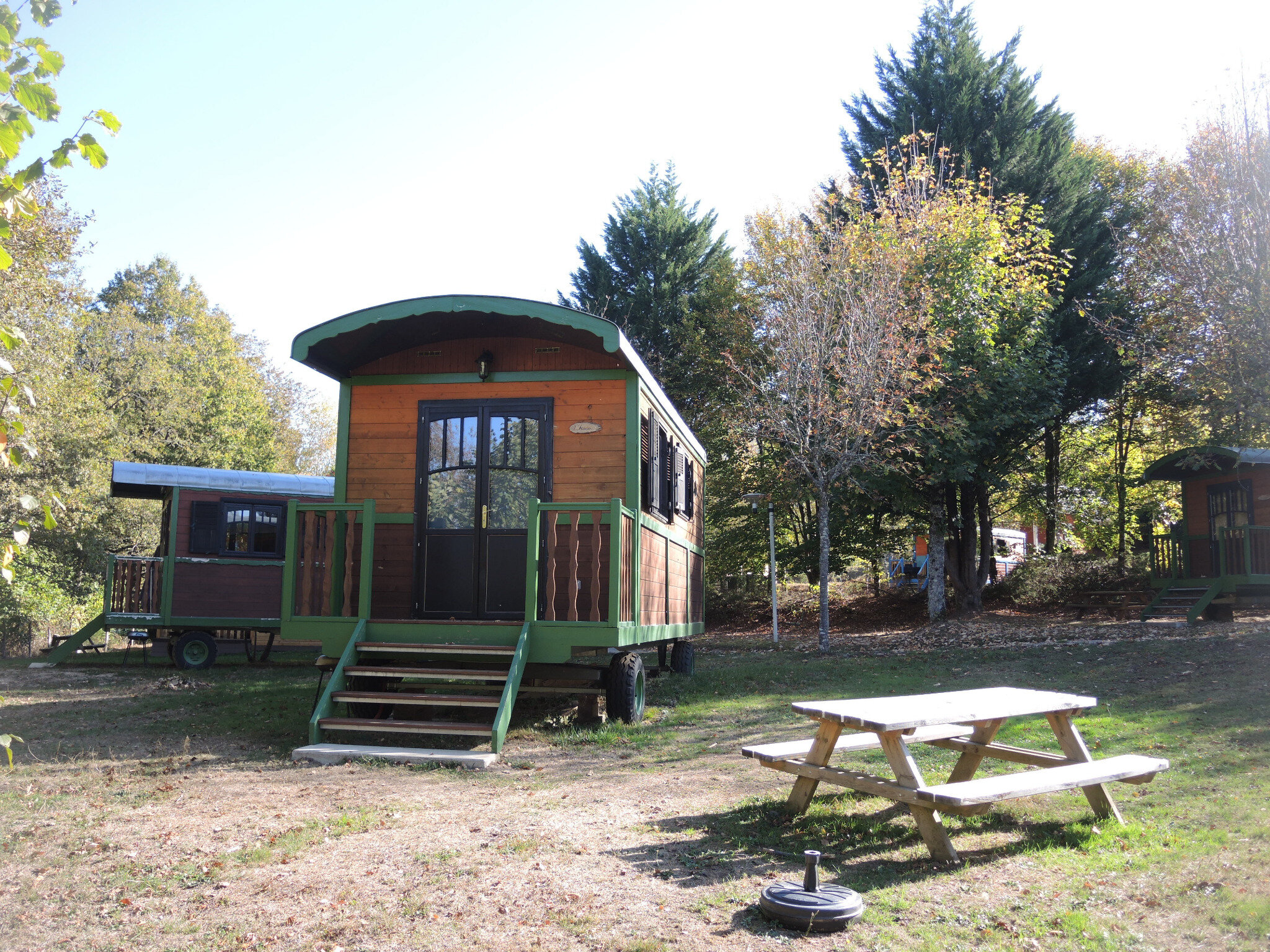 Lac des Settons, La Corne du Cerf, camping roulottes(58)
